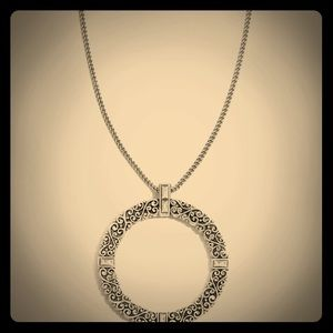 Beautiful Brighton Baroness Necklace